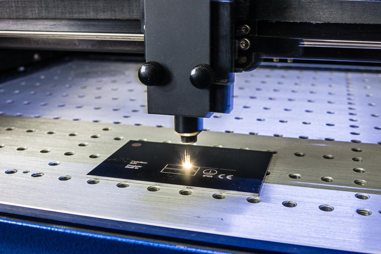 siebdruck-beschriftung-lasergravur-01
